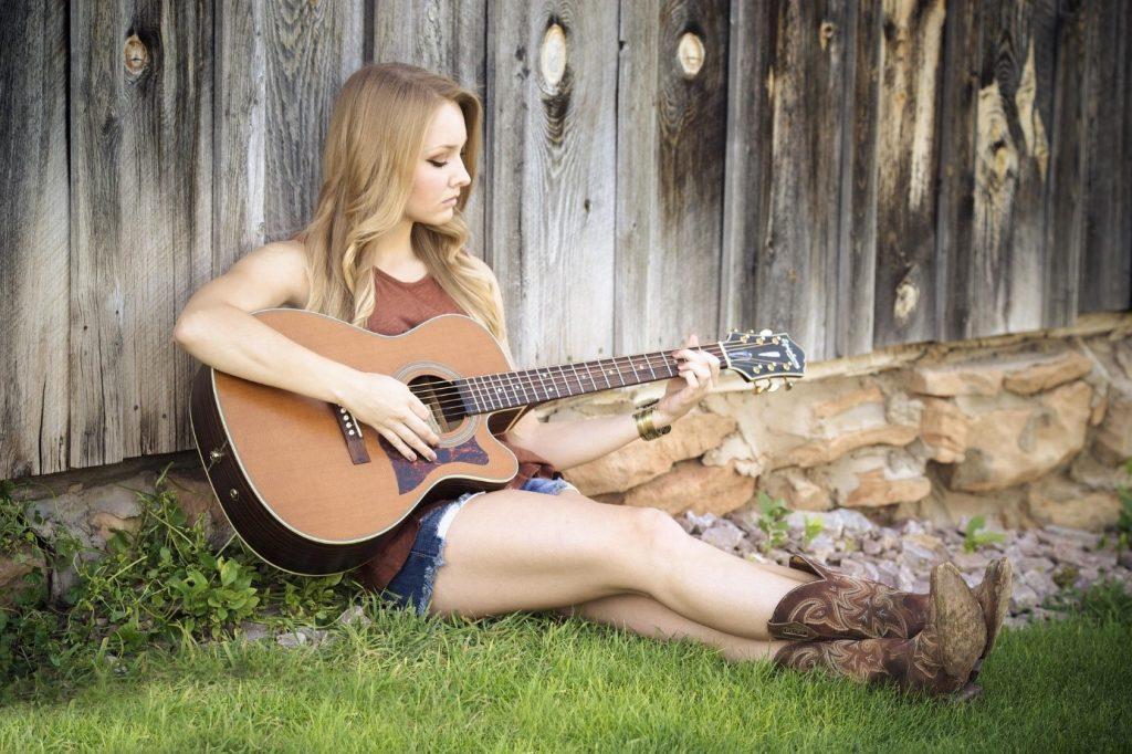 akusticke gitary