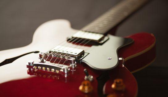 Láka Vás elektrická gitara? Prinášame tipy ako vybrať tú najlepšiu!