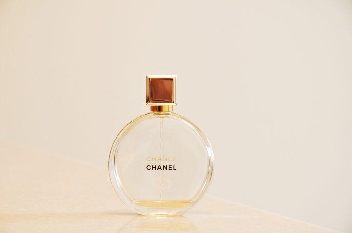 0c8ed07170 TOP 10 dámske aj pánske parfemy - očar vôňou aj v roku 2019 - GETY