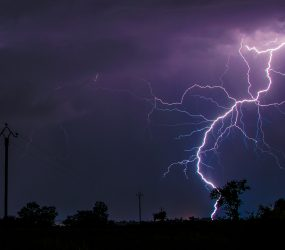 Ako ochrániť domácnosť pred búrkou a bleskom?